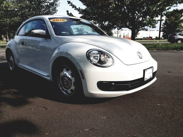 Certified Pre-Owned 2016 Volkswagen Beetle Coupe 1 8T Classic FWD Hatchback